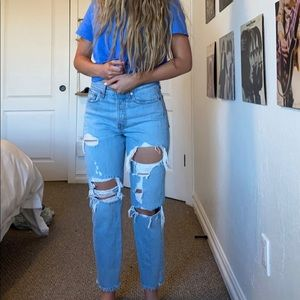 Ripped Levi Jeans